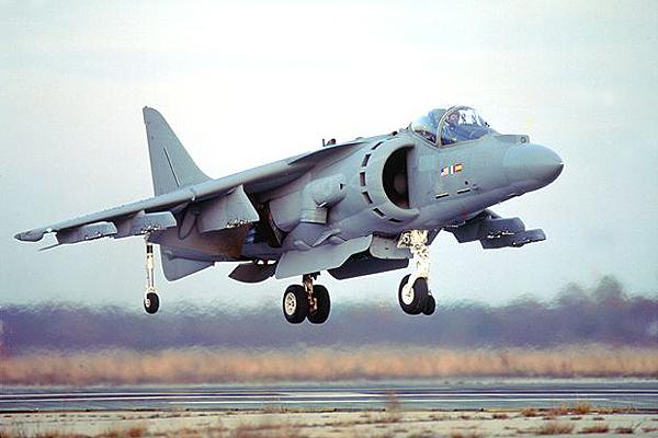 AV-8_001.jpg